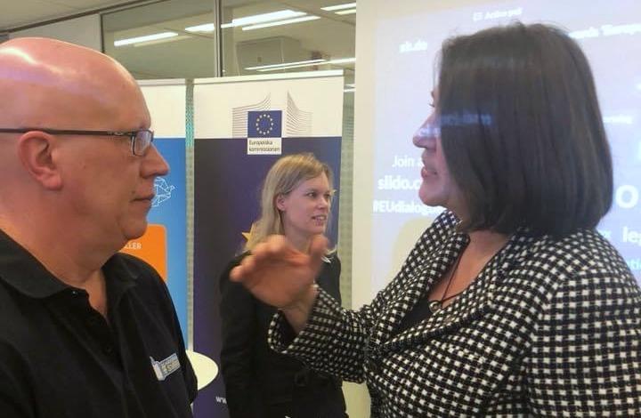 Conny Hård, Här Stannar Sverige, i samtal med EU-kommissionens ordförande Violeta Bulc.