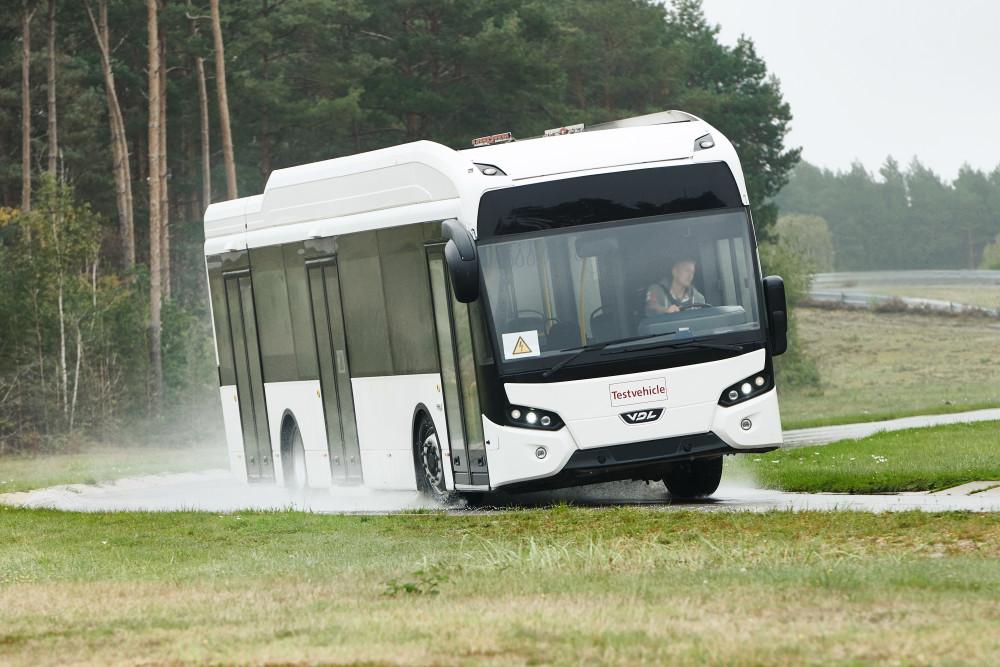 Pressfoto:Däck till elbussar innebär tekniskt krävande avvägningar.