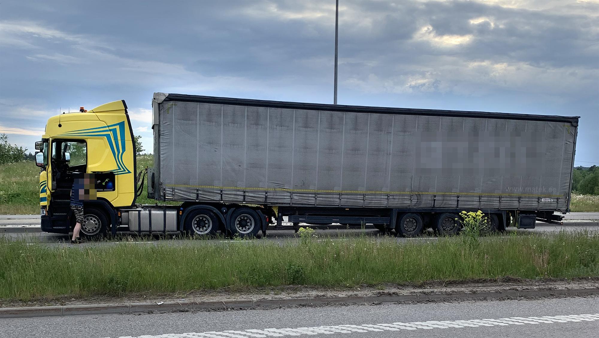 Det litauiska ekipaget lämnade över sin inkommande trailer med gods utan att först lossa det i sin helhet innan överlämnandet av trailern, något som är en förutsättning för att få utföra cabotagetransporter.
